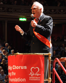 Terry Kinsman from the British Heart Foundation encourages the bidding at the Hallelujah Chorus auction (Messiah from Scratch 2009)